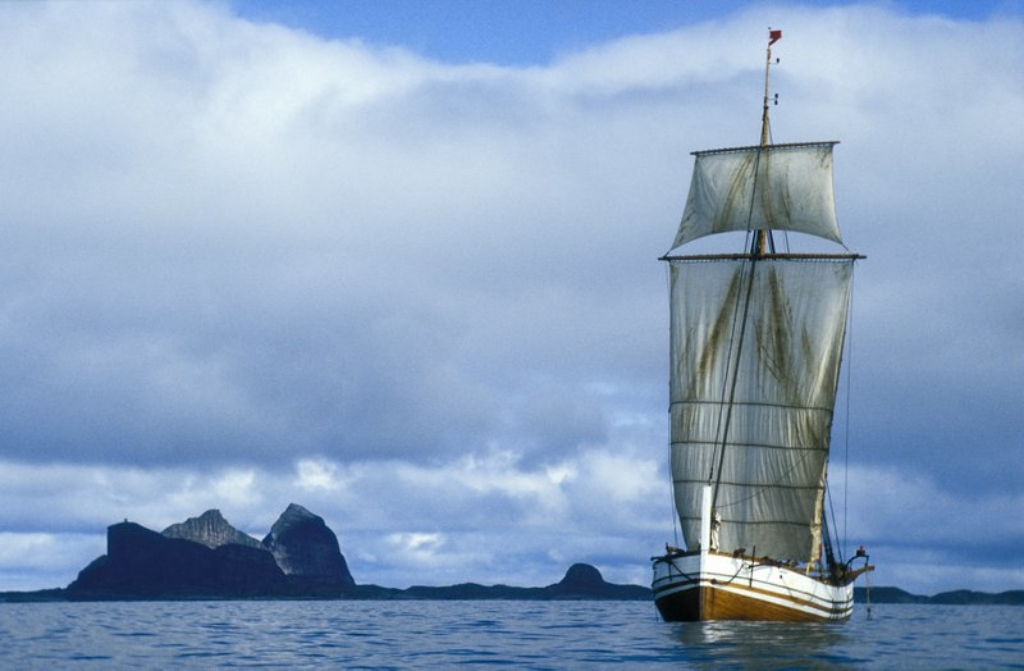 Bli med på en opplevelse uten om det vanlige ombord jekta Pauline i sommer! Foto: KASAVI/Arne-Terje Sæter