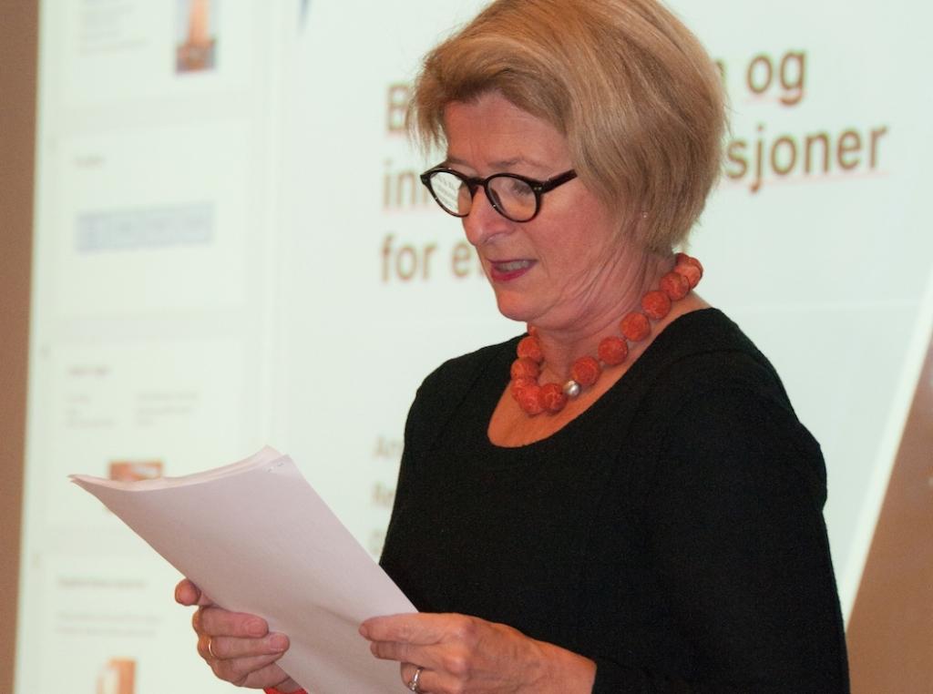 Rektor Anne Husebekk ved UiT er en pådriver i arbeidet med å få på plass et nytt studieprogram for tradisjonsbåtbygging. Foto: Bente Foldvik