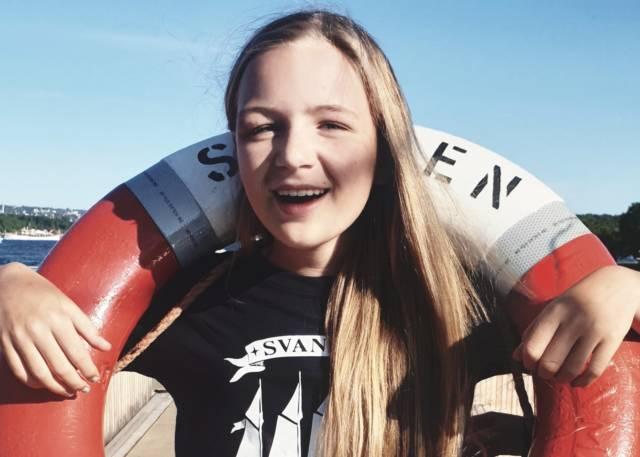 Så blid blir man av å bruke sommerferien på sjøen med andre ungdommer. I sommer blir det mange muligheter for det. Foto: Norsk Maritimt Museum