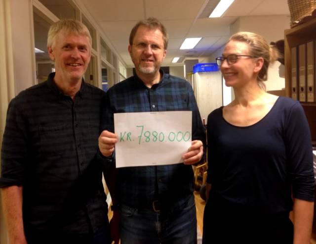 Per Hillesund, Tore Friis-Olsen og Tuva Løkse i Forbundet KYSTENs sekretariat gleder seg til å brette opp ermene og ta til med prosjektet på nyåret. Foto: Jorid Martinsen